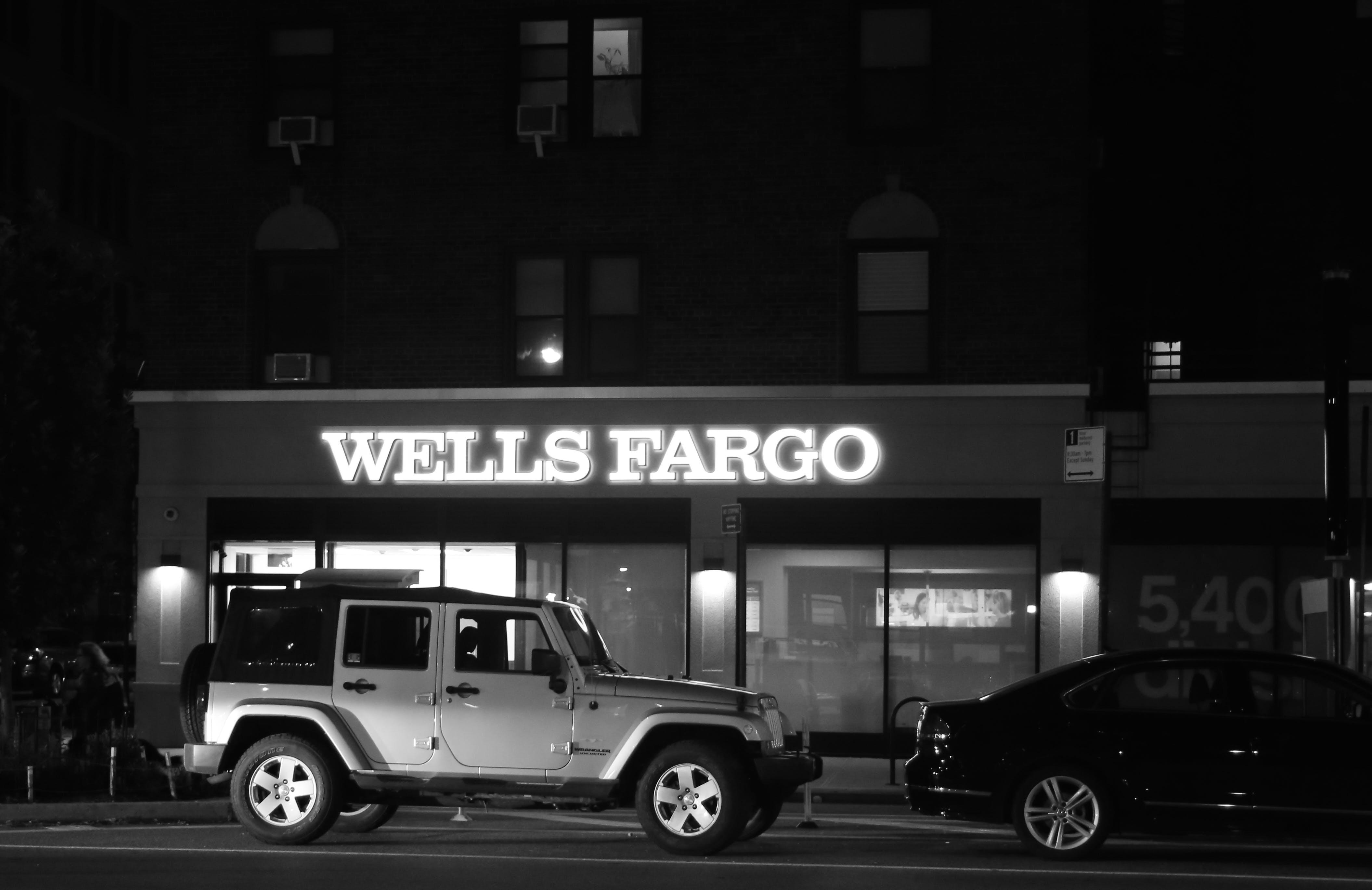 Бесплатное стоковое фото с Банк, манхэттен, ночная езда, поднимать