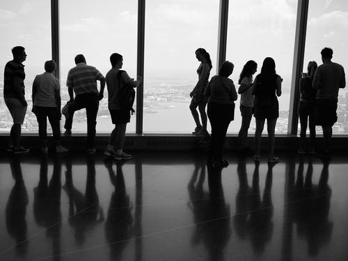 Fotobanka sbezplatnými fotkami na tému čierna a biela, ľudia siluetajú, mono, new york turisti