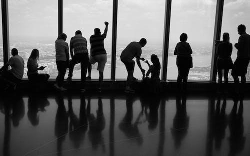 Fotobanka sbezplatnými fotkami na tému čb, ľudia siluetajú, mono, new york turisti