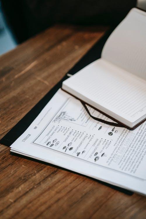 Fotos de stock gratuitas de billetes, bloc de notas, cuaderno