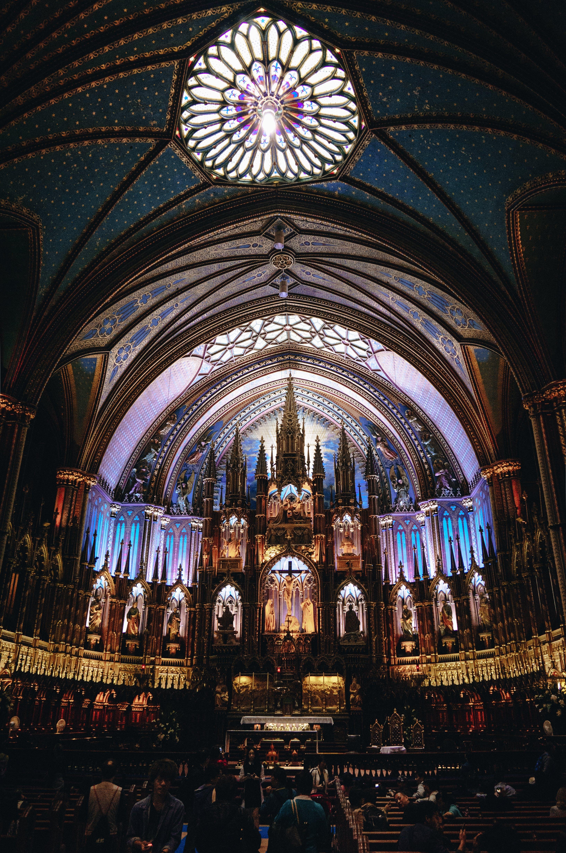 Sembra che la cattedrale di Notre Dame a Parigi abbia preso fuoco thumbnail