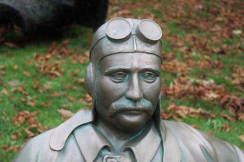 Foto d'estoc gratuïta de aviador, escultura, estàtua, home