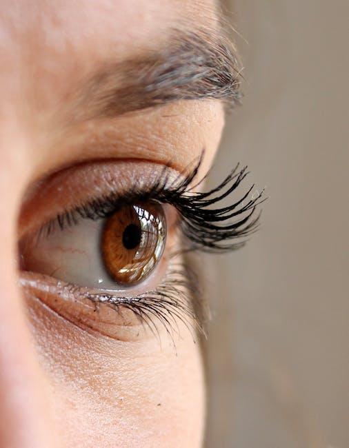 Can You Sleep With Fake Eyelashes On?