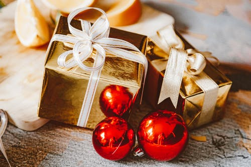 Foto d'estoc gratuïta de Adorns de Nadal, adorns vermells, boles de nadal
