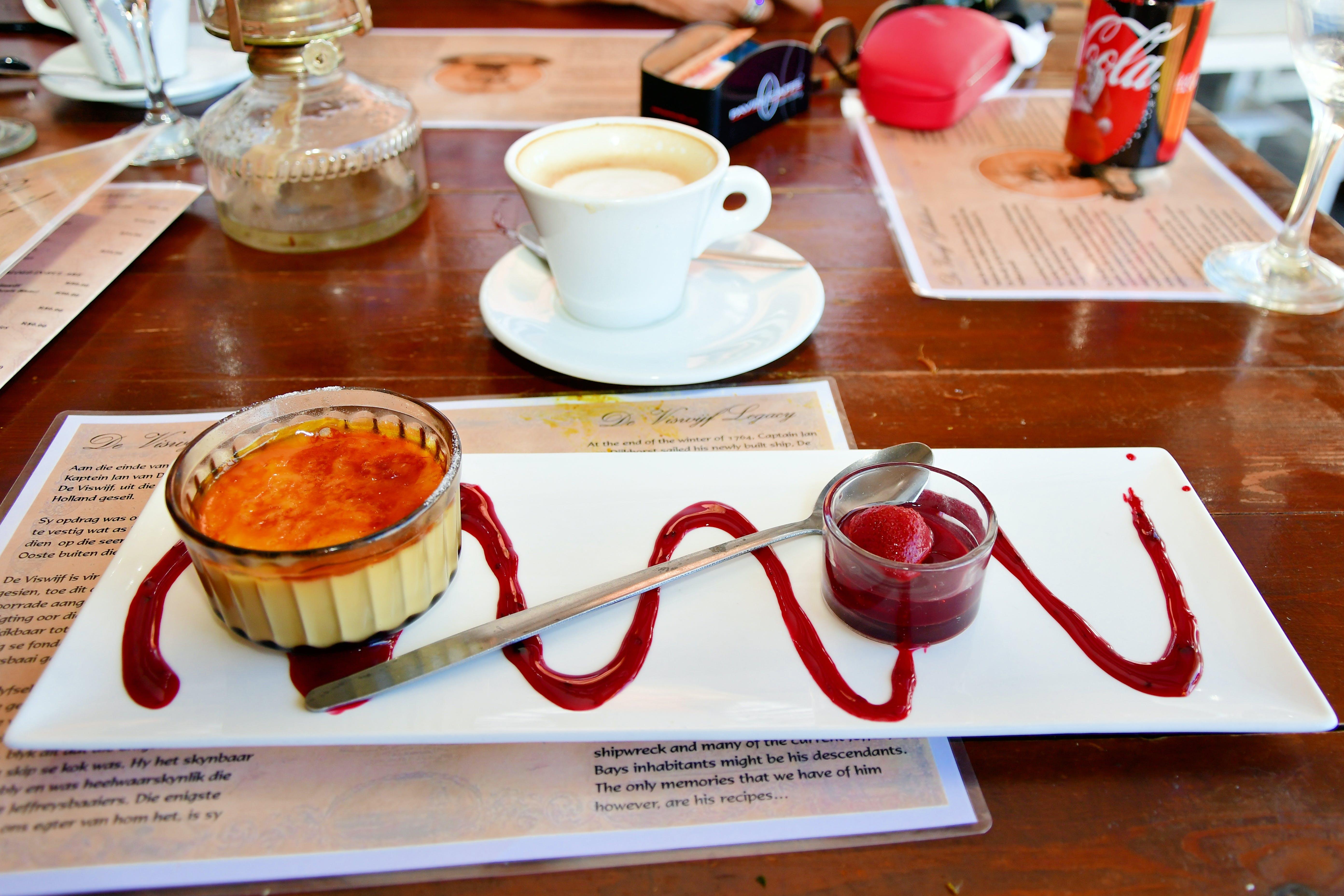 Ingyenes stockfotó beltéri, bútor, csészealjak, édesség témában