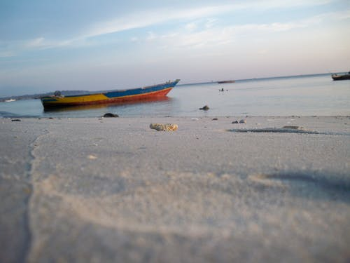 คลังภาพถ่ายฟรี ของ ชายหาด, ทราย, ทะเล, เรือ