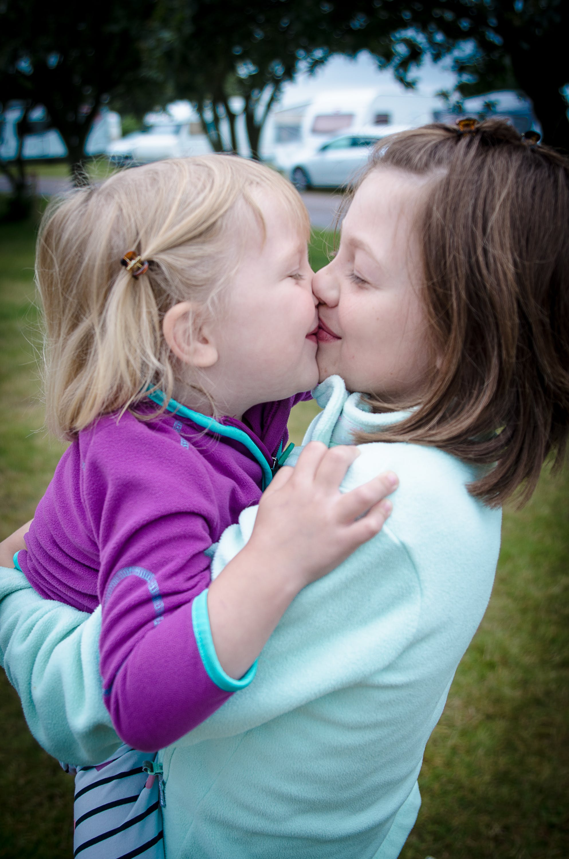Free stock photo of siblings, sister