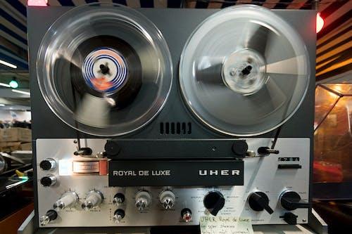Бесплатное стоковое фото с записывающее устройство, катушечный магнитофон, лента, магнитофон