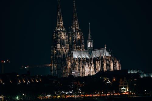 akşam, bina, çan kulesi içeren Ücretsiz stok fotoğraf