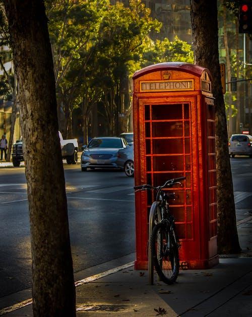 Безкоштовне стокове фото на тему «телефонна будка»