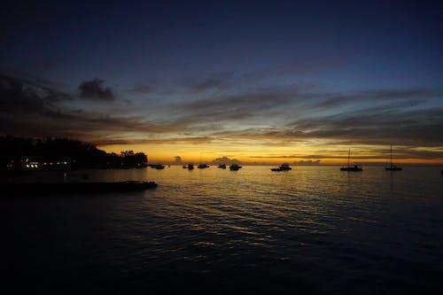 Безкоштовне стокове фото на тему «Захід сонця, маврикій, море, океан»