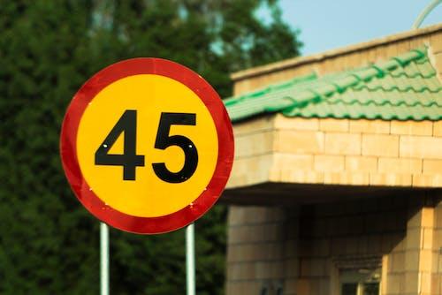 Gratis lagerfoto af 45, begrænse, fart, vejarbejde