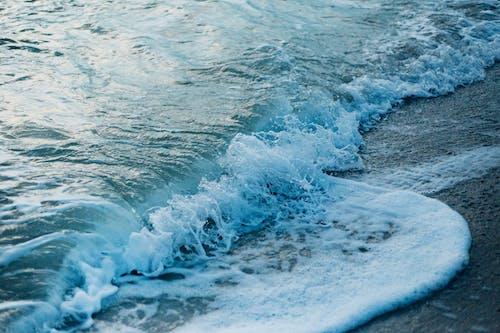 Gratis stockfoto met crashende golf, golven, h2o, landschap