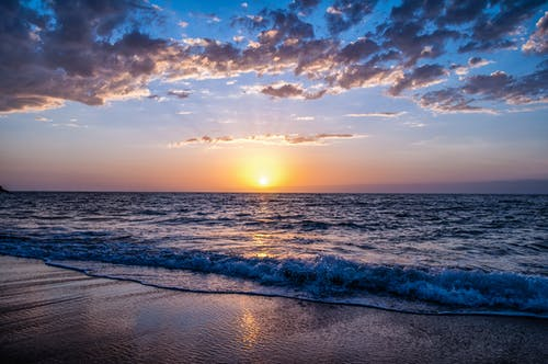 Gratis arkivbilde med bølge, bølger, daggry, hav