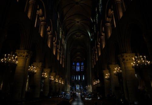 Foto d'estoc gratuïta de arcs, arquitectura, catedral, clareja