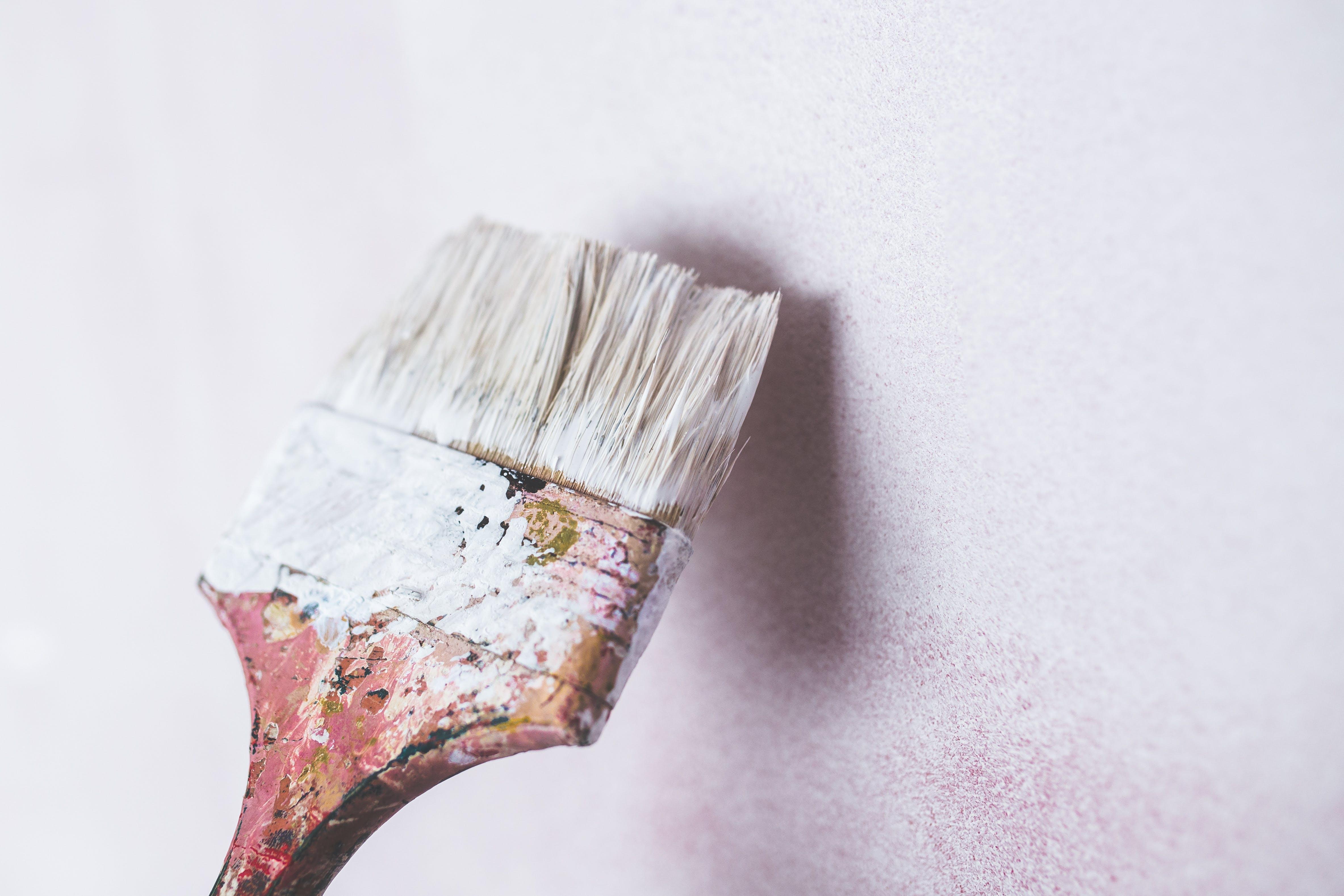 Schimmel an der Wand? Anti-Schimmel-Farbe könnte helfen
