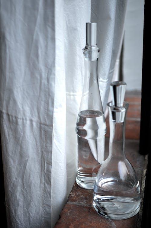Botella De Vidrio Transparente Con Agua