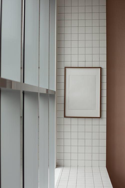 Безкоштовне стокове фото на тему «copy space, балкон, білий»