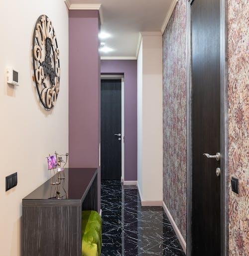 Základová fotografie zdarma na téma apartmán, chodba, čtvercový formát