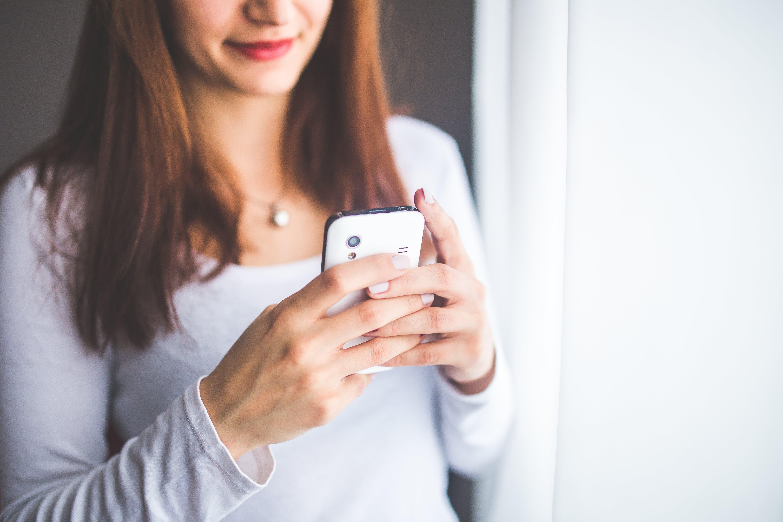 Cómo evitar que Google escuche lo que dices a través del móvil