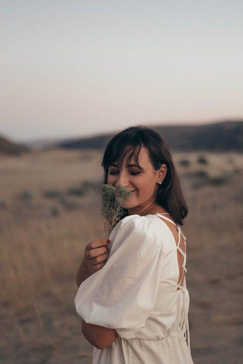 Бесплатное стоковое фото с активный отдых, ветер, девочка, девушка