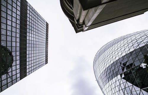 Ilmainen kuvapankkikuva tunnisteilla arkkitehtuuri, heijastukset, kaupunki, pilvenpiirtäjät
