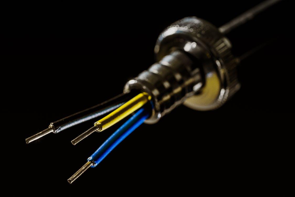 bağ, bağlantı, elektrik telleri içeren Ücretsiz stok fotoğraf