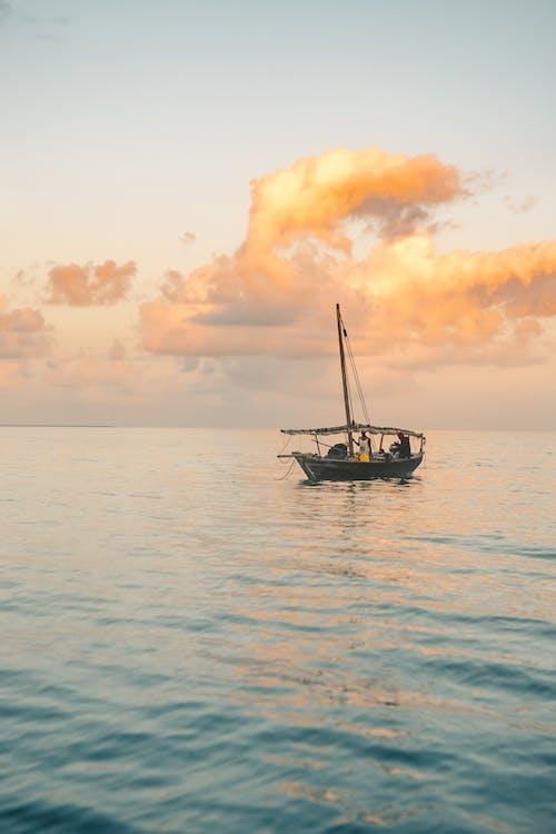 Gratis stockfoto met boot, gouden uur, oceaan