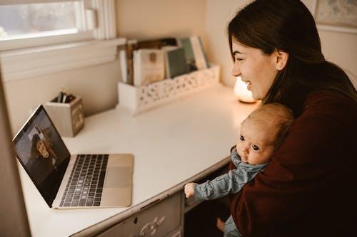 Ảnh lưu trữ miễn phí về chở, cuộc gọi video, đứa bé