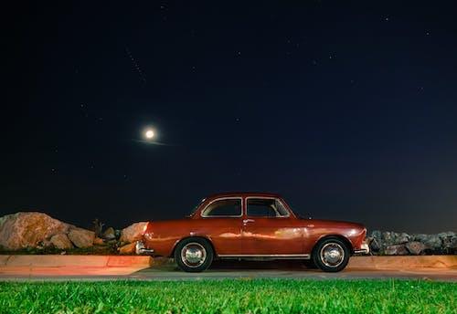 Photos gratuites de berline, ciel, conduire, lune