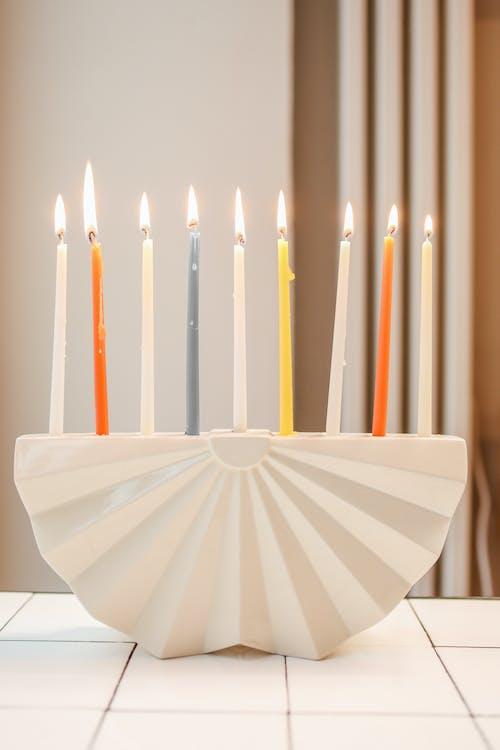 Kostenloses Stock Foto zu candlelights, drinnen, flamme