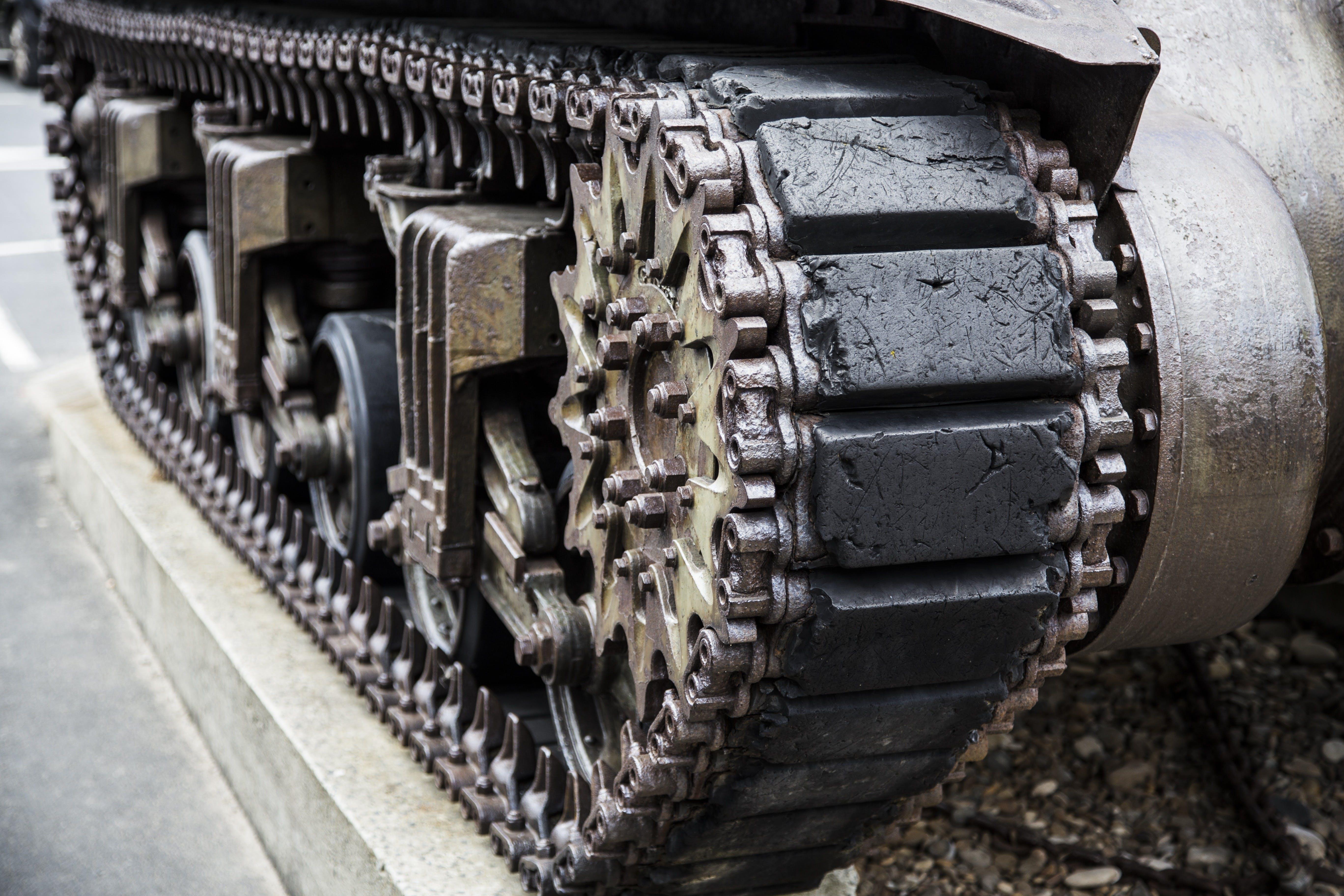 Kostenloses Stock Foto zu armee, artillerie, attacke, fahrzeug
