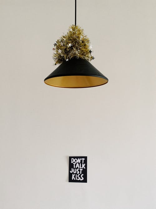 Безкоштовне стокове фото на тему «вертикальні постріл, декор стін, мішура»