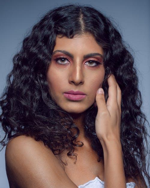 Gratis lagerfoto af ansigt, brunette, glamour, hår