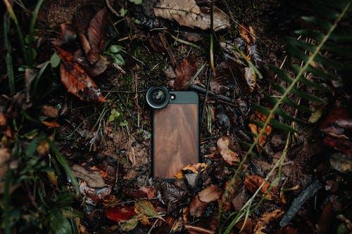 Ilmainen kuvapankkikuva tunnisteilla älypuhelimen kotelo, älypuhelimen linssi, älypuhelin, autio