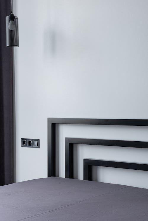 Mur Blanc Avec Porte En Bois Noir