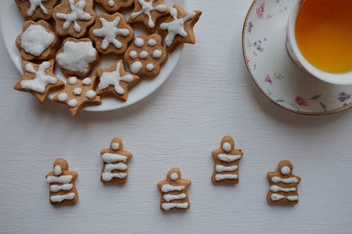 White and Brown Ceramic Plate With Cookies