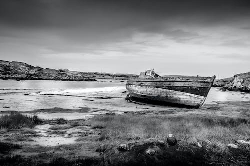 Photos gratuites de abandonné, aube, bateau