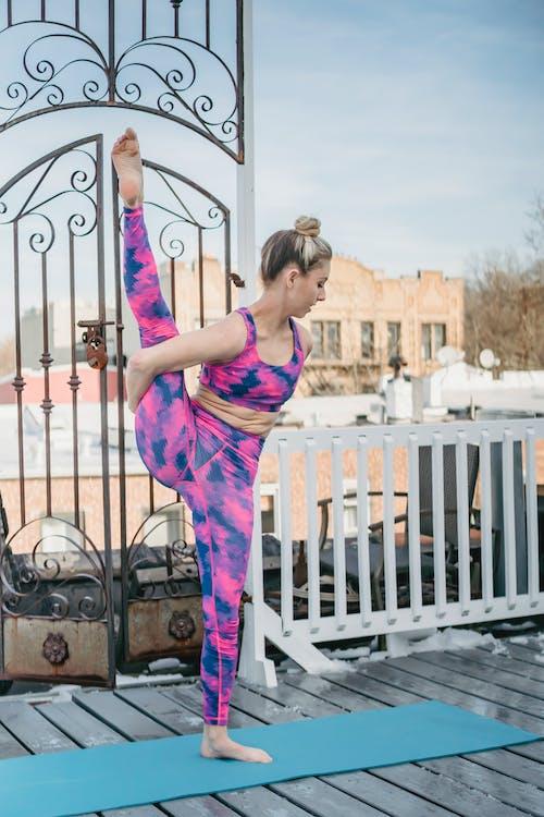 Безкоштовне стокове фото на тему «активний одяг, асана, баланс»