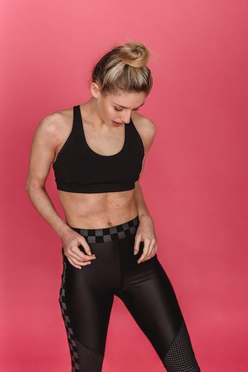 Základová fotografie zdarma na téma aktivní oblečení, břicho, břišní svaly