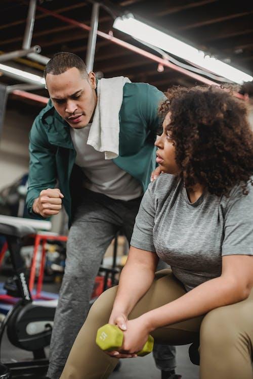 Fotobanka sbezplatnými fotkami na tému activewear, Afroameričan, Afroameričanka
