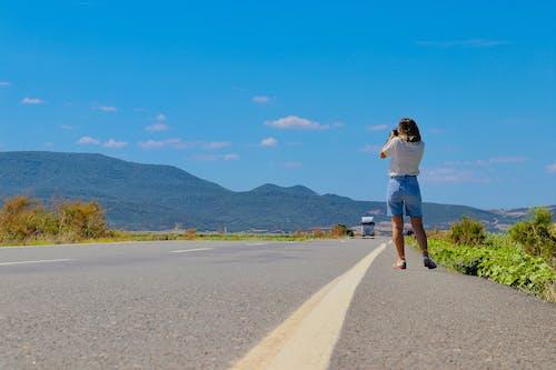 Foto d'estoc gratuïta de a l'aire lliure, a la carretera, asfalt