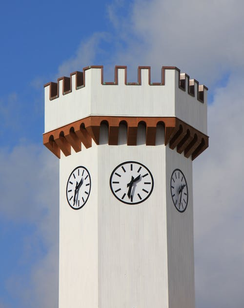 Immagine gratuita di bianco, cielo, orologio, tempo