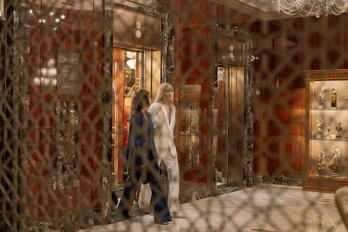 Δωρεάν στοκ φωτογραφιών με αίθουσα, ανελκυστήρας, Άνθρωποι