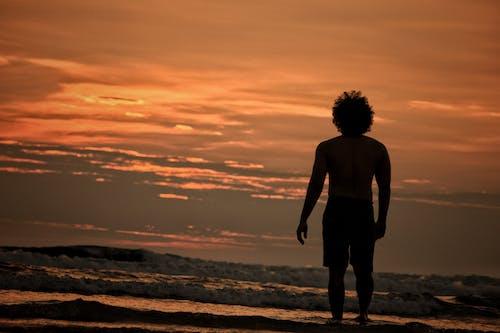 人, 傍晚天空, 傍晚的太陽 的 免费素材图片