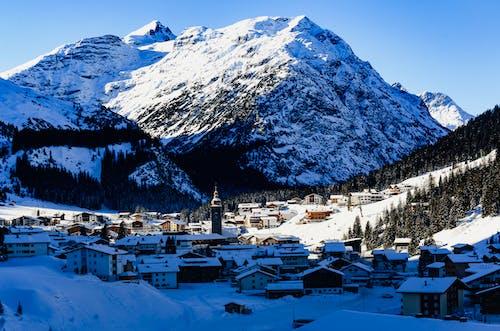 Kostenloses Stock Foto zu abenteuer, alpen, badeort
