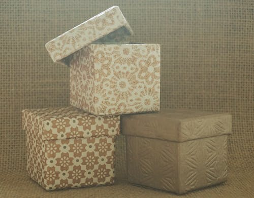 Kostenloses Stock Foto zu sackcloth hintergrund, sackleinen, schachteln, strukturierter hintergrund