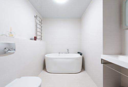 Gratis lagerfoto af bad, badekar, badeværelse