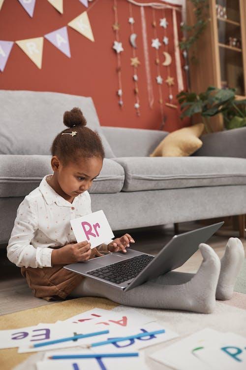 3C用品, 信用卡, 兒童 的 免費圖庫相片
