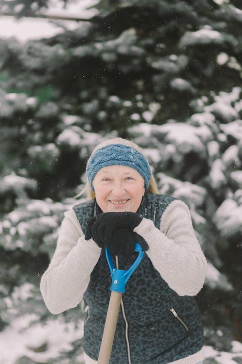 Δωρεάν στοκ φωτογραφιών με γέρος, γυναίκα, ηλικιωμένος